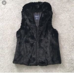 Women's faux fur vest